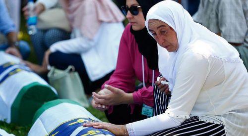 Srebrenitsa soykırımının kurbanları anıldı