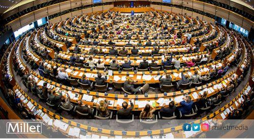 Avrupa Parlamentosu AB'deki neofaşist ve neo-Nazi grupların yasaklanması çağrısında bulundu