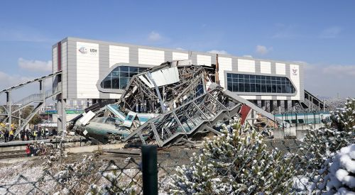 Türkiye'de hızlı tren kazası: 9 kişi hayatını kaybetti