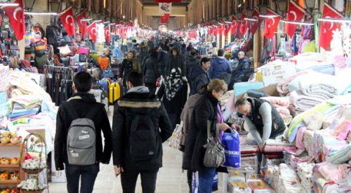 Yunan ve Bulgar turistler yılbaşı alışverişini Edirne'de yapıyor