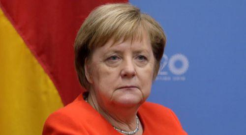 Merkel Atina'ya geliyor