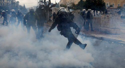 "Yunanistan'da ""Makedonya"" protestosu olaylı geçti"