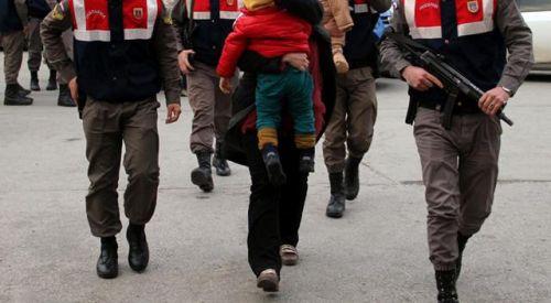 FETÖ şüphelileri çocuklarıyla Yunanistan'a kaçarken yakalandı