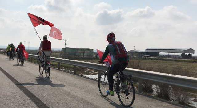 Şehitler için Balkanlar'dan Çanakkale'ye bisikletle yola çıktılar