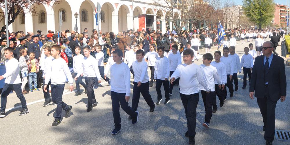 Yunanistan 25 Mart Bayramını törenlerle kutladı