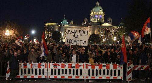 Sırbistan ve Karadağ'da hükümet karşıtı protestolar sürüyor