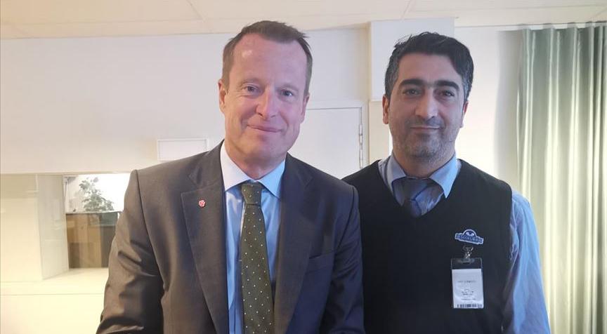 İsveçli bakandan kahraman ilan edilen Türk taksiciye tebrik