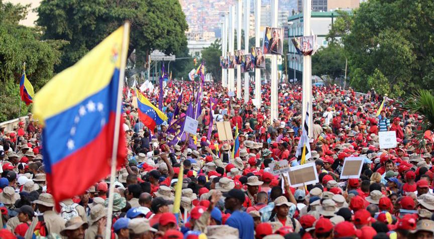 Venezuela'daki darbe girişimi ters tepti