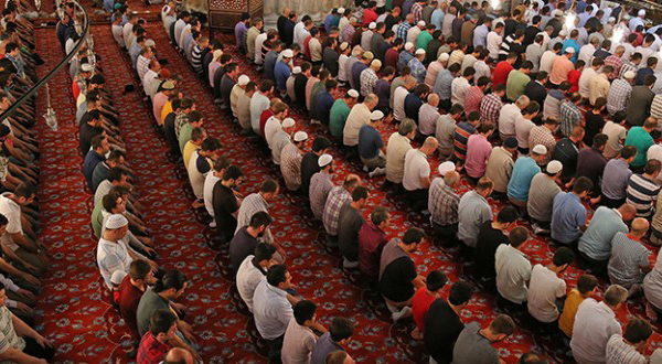 Batı Trakya'da Ramazan heyecanı: İlk teravih namazı kılındı