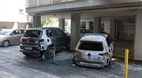 Türk düşmanları Selanik'te diplomatların araçlarını yaktılar