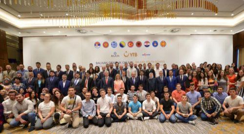 Balkan Gençlik Okulunun kapanış programı Üsküp'te düzenlendi