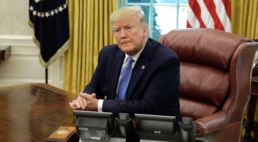 Trump İngiltere'nin ABD Büyükelçisine 'aptal' dedi