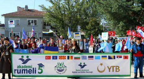 Balkanlardan gelen öğrencilerle kariyer planlaması