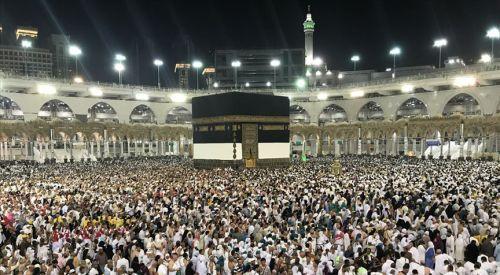 Hac için kutsal topraklara gelenlerin sayısı 1 milyona yaklaştı