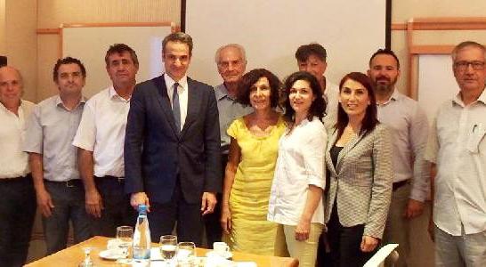 Başbakan Miçotakis, Kıbrıslı Türklerle görüştü