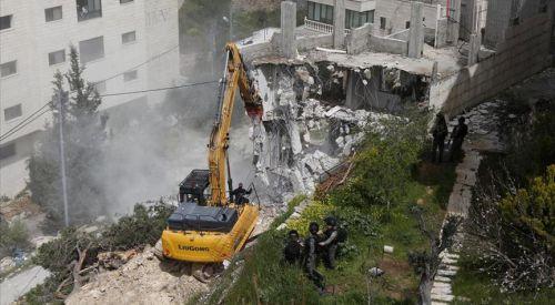 İsrail askerleri Batı Şeria'da Filistinlilere ait evi yıktı
