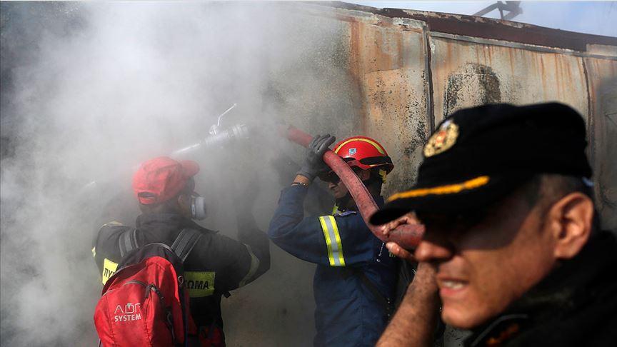 Yunanistan'daki orman yangınları yerleşim yerlerini tehdit ediyor