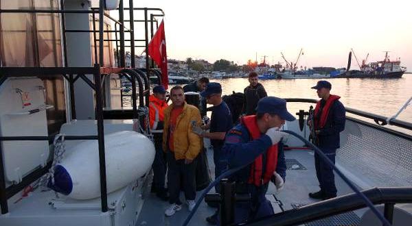 Yunan insan taciri, Türk sahil güvenlik ekiplerine yakalandı
