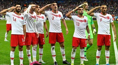 UEFA'dan Türk futbolcuların asker selamına soruşturma