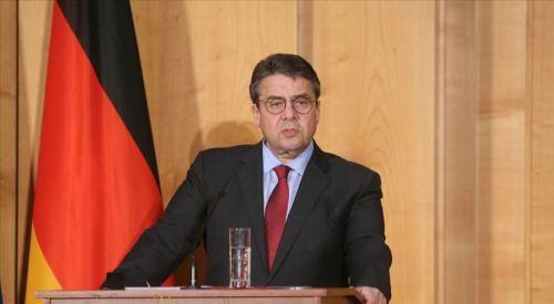 Eski Alman bakan, terör örgütü PKK'nın suçlarını anlattı
