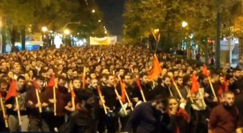 Yunanistan'daki üniversitelerde polis şiddetine karşı işgal eylemi