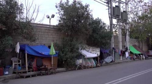 Yunanistan'da kamp dışındaki göçmenler yaşam mücadelesi veriyor