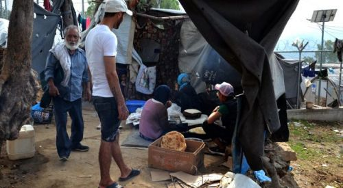 Yunanistan'dan mülteci kampı hamlesi