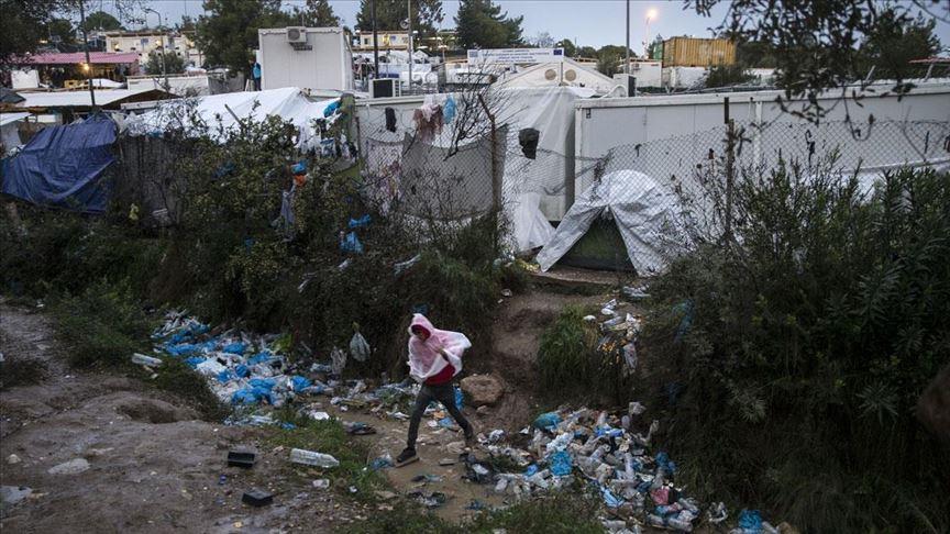 Moria'da binlerce düzensiz göçmen zor koşullarda yaşam mücadelesi veriyor