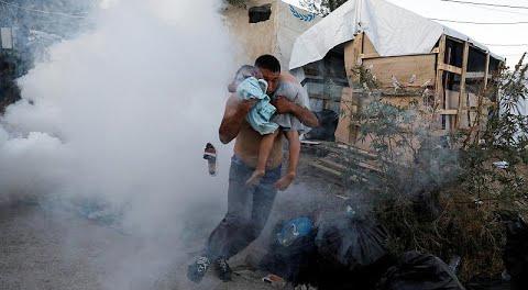 Midilli Adası'ndaki mülteci kampında yangın can aldı