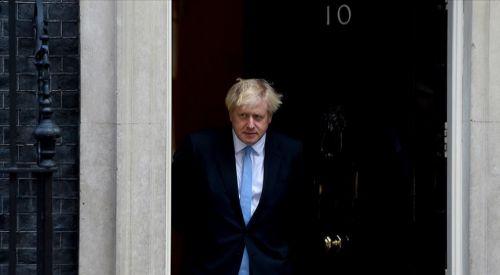 İngiltere'de hasta çocuğun 4 saat hastanede yerde yatması Başbakan'a özür diletti
