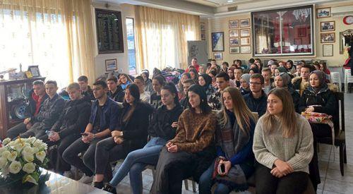 İskeçe Türk Birliği'nde Türkiye'deki üniversite eğitim imkanları anlatıldı