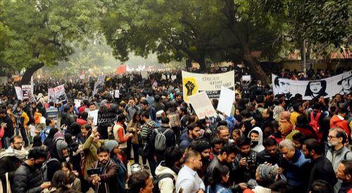 Dünya Müslüman Alimler Birliğinden Hindistan'daki Vatandaşlık Yasası'na tepki