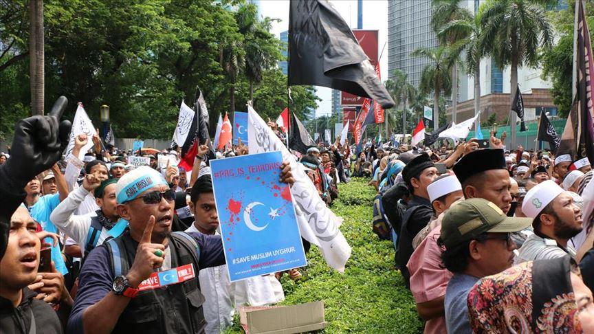 Endonezya'da Çin'in Uygurlara yönelik politikaları protesto edildi