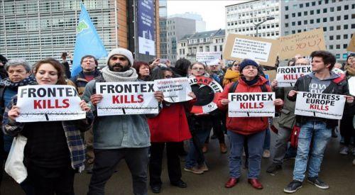 Brüksel'de, AB'nin ve Yunanistan'ın göç politikaları protesto edildi