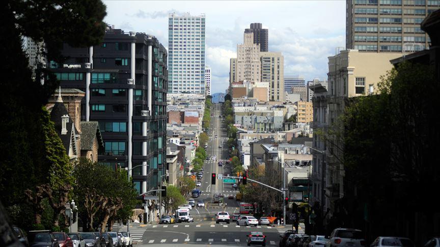 California nüfusunun yüzde 56'sının korona virüsünden etkileneceği öngörülüyor
