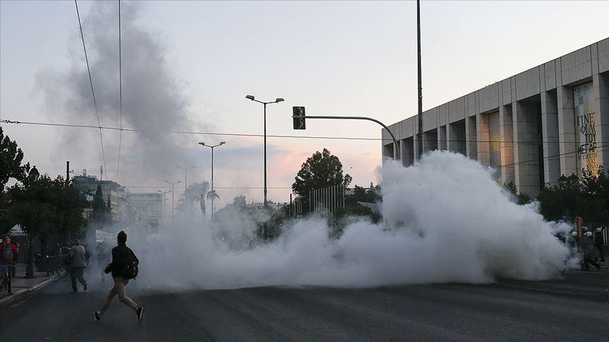 Atina'da George Floyd için düzenlenen gösteride çatışma