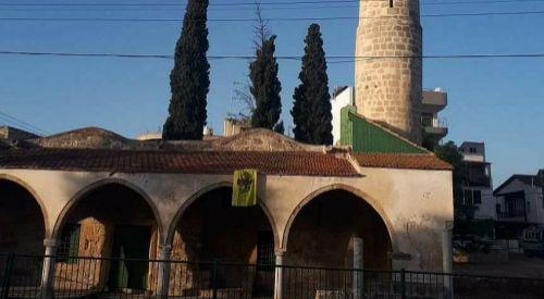 Camiye Bizans bayrağı asan provokatör zihniyete sert tepki
