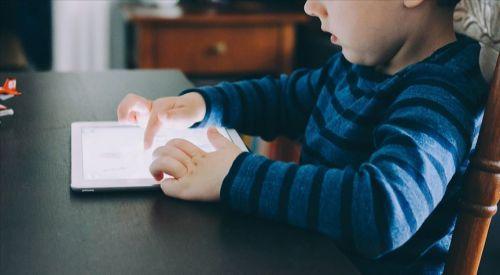 'İlgilenilmeyen çocuğun ebeveyni sosyal medya olur'
