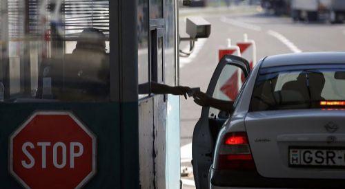 Yunanistan, 15 Temmuz'a kadar sınırlarını Sırbistan'dan gelecek ziyaretçilere kapattı