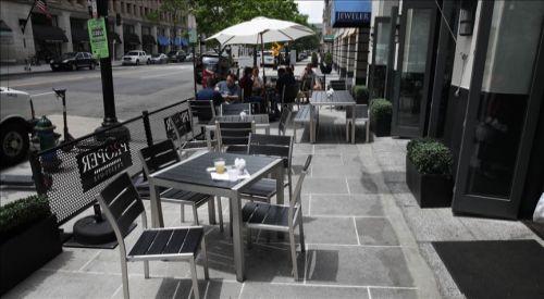 Araştırmaya göre restoranda yemek Kovid-19 bulaşma ihtimalini artırabilir