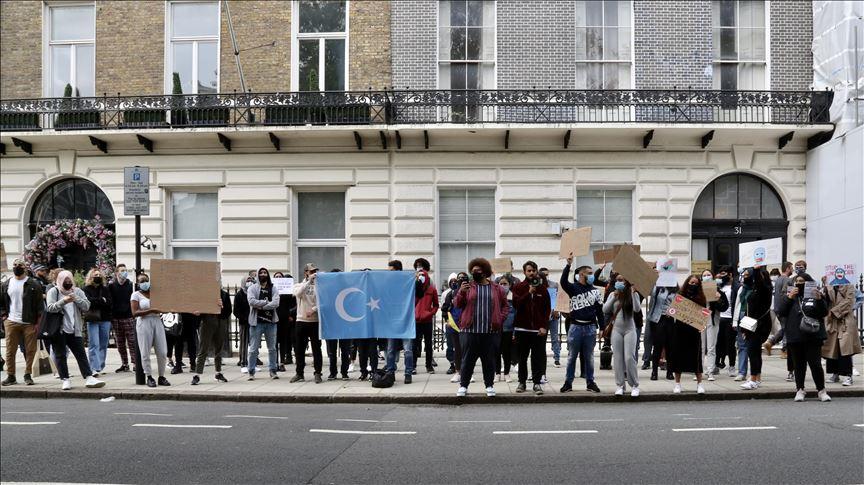 Çin'in Uygur Türklerine yönelik baskısısı Londra'da protesto edildi