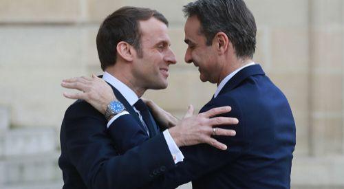 Miçotakis'ten İslam Peygamberi'ne saldıran Macron'a destek