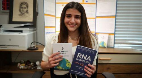 ABD'de lise öğrencisi Türk kızın kitabı en çok satanlar listesinde