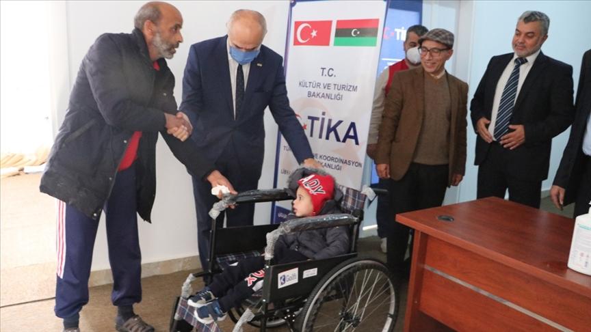 Türkiye'den Libya'da engellilere tekerlekli sandalye desteği