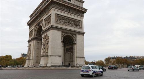 Fransa Müslümanlara yönelik baskıları artırıyor