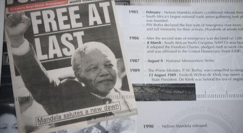Irk ayrımına karşı mücadelenin simge ismi Mandela anılıyor