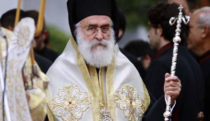 """Karantinaya rağmen """"kiliseleri açın"""" talimatı verdi"""