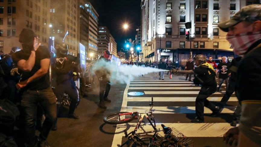 ABD'de seçimlere yönelik gösterilerde 5 kişi yaralandı, çok sayıda gözaltı var