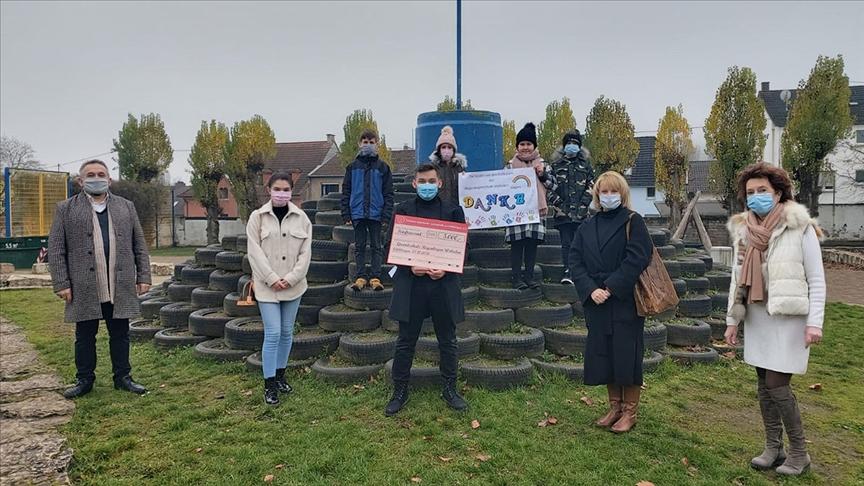 Alman belediye başkanından yardımsever Türk gençlerine övgü