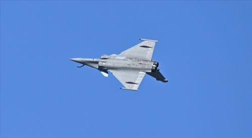 Parlamento, Fransa'dan Rafale savaş uçakları satın alınmasını onayladı